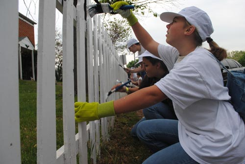 Huge Georgetown South Community Service Project